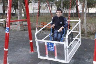 Engellilerin yaşamlarını kolaylaştırıcı ve zorlaştırıcı etkenler nelerdir?