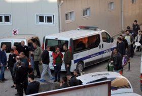 Mersin'de okul önünde kavga: 1 ölü, 2 yaralı